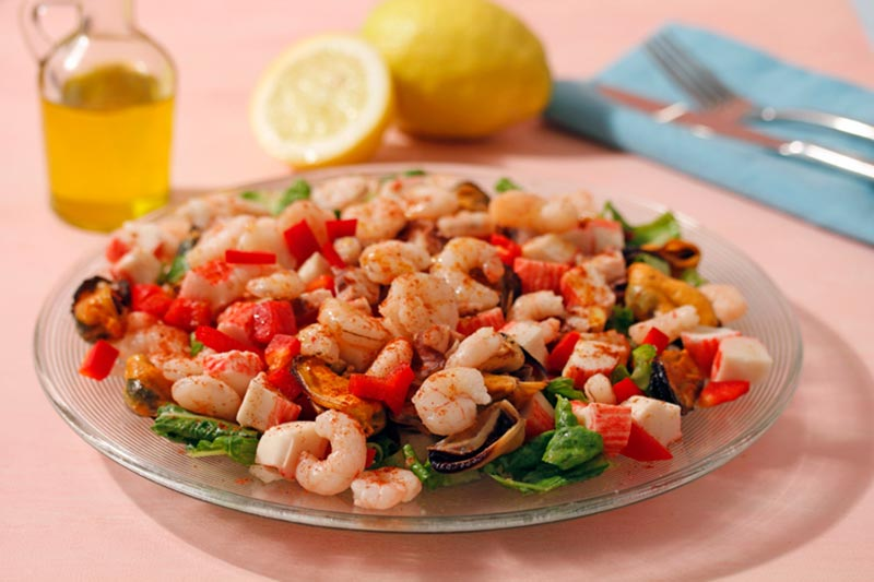 Recipes for cooking: seafood salad with extra virgin olive oil Spelunca Espluga Calba DO Garrigues