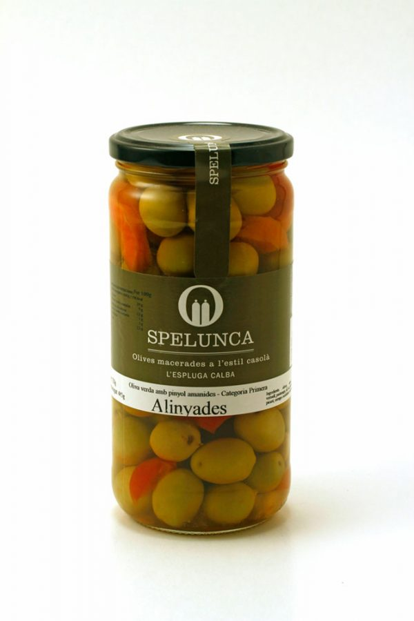 Aceitunas alinyades verdes con hueso